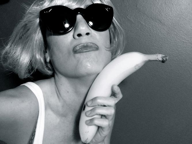 sgb-banana-bw